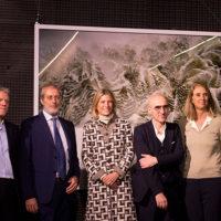 (da sx): Luciano Bolzoni, Maurizio Baruffi, Roberta Guaineri, Armin Linke, Laura Agnoletto all'inaugurazione di Alpi di Armin Linke (Milano Malpensa)