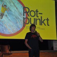Sustainable Outdoor Days a BASE | Norbert Sandner durante la presentazione del film Rotpunkt