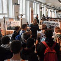 Sustainable Outdoor Days a BASE | Durante il progetto educational, Laura Agnoletto illustra la mostra fotografica Carie di A. Mauri, M. Nardi e F. Ravassard